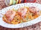 Рецепта Свежа салата с моркови, краставици и печени скариди със соев сос
